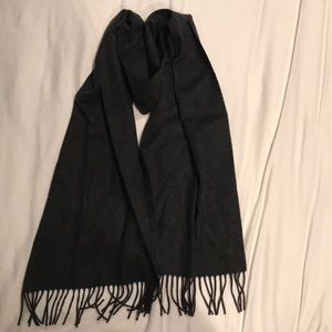 J Crew charcoal cashmere scarf